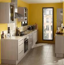 organiser une cuisine comment organiser une cuisine dans une pièce en longueur