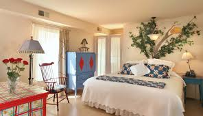 chautauqua accommodations lodging the spencer hotel spa lewis carroll room 305
