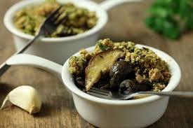 comment cuisiner des escargots recette de cocotte d escargots et chignons du moment crumble