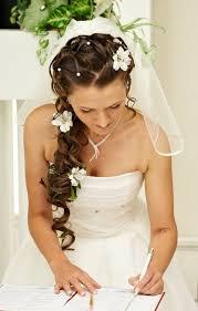 Lockere Hochsteckfrisurenen F Locken by Brautfrisuren Mit Blumen 22 Ideen Für Ein Perfektes Hochzeitsgefühl