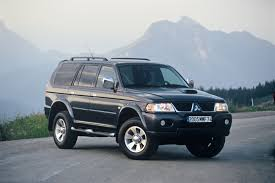 mitsubishi car 2005 mitsubishi motors announces 2005 shogun and shogun sport line up