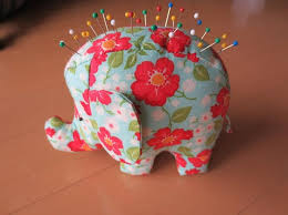 Armchair Pincushion 332 Best Pincushion Love Images On Pinterest Pincushions Crazy