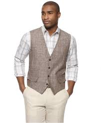 love this vest i think it look great with khakis and a solid