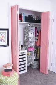 Make Closet Doors Diy Coral Glam Bi Fold Closet Door Makeover Tutorial