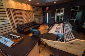 converse rubber tracks amplifies with new recording studio in