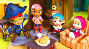 masha and the bear invite jake and the neverland pirates to have a