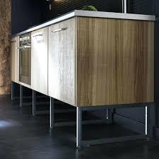pied pour meuble de cuisine pied de meuble cuisine agrandir alacments sur pieds pour un effet