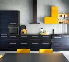 cuisine noir et jaune revetement mural cuisine ikea cuisine ikea avec faaades en motif