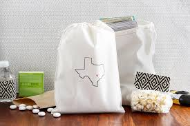 personalized wedding gift bags 10 ways to show your home state pride in your wedding