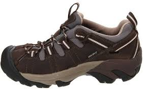 women s hiking shoes the 7 best hiking shoes for women reviewed 2018 outside pursuits