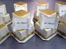 mini wedding cakes unforgettable wedding cakes mini wedding cake estate table place