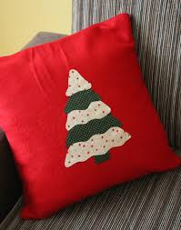 cucire un cuscino mamma gioca tutorial come cucire un cuscino decorato con