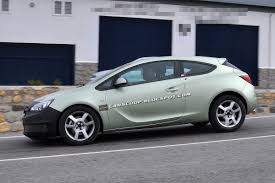 opel astra 2014 spy shots opel working on a subtle facelift for astra gtc