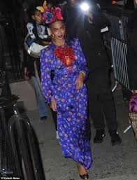 beyonce transforms into mexican artist frida kahlo for halloween