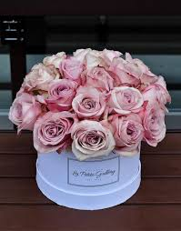 roses in a box secret garden light pink roses in a signature white box la