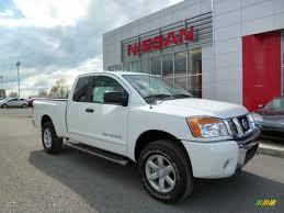 nissan titan extended cab 2014 glacier white nissan titan sv king cab 4x4 93039163