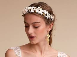 hair accessories for weddings 36 bridal hair accessories you can buy now