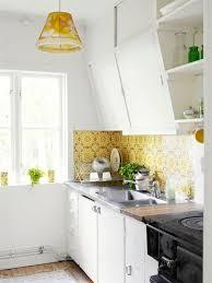 cottage kitchen islands best 25 cottage kitchen island designs ideas on
