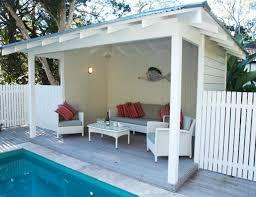 Backyard Pool House by 25 Best Backyard Cabin Ideas On Pinterest Brick Paver Patio