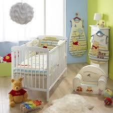 chambre winnie l ourson pour bébé babycalin gigoteuse winnie ourson 70 100 cm