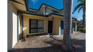 penny s cannonvale holiday apartment 2 bedroom penny s queensland palace