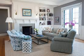 beach cottage style living rooms white sofa the same color pillows