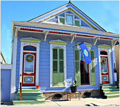 new orleans colorful houses colorful bywater homes in new orleans nola neighborhoods