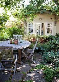 Cottage Backyard Ideas 361 Best ɢᴀʀᴅᴇɴs U2022 ᴘᴀᴛɪᴏs Images On Pinterest Landscaping