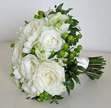 modern wedding bouquet photos with beautiful big white roses png
