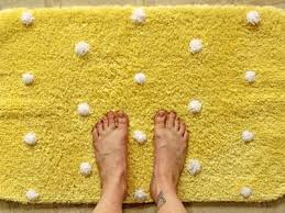 Diy Bathroom Rug Pom Pom Bath Mat Diy Frankie Magazine