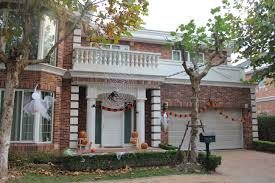 decorate house for halloween halloween house decorations travelling with ana weve been on the