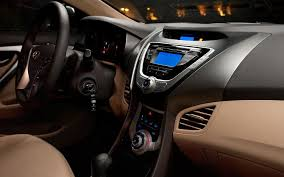 hyundai elantra 2010 interior drive 2011 hyundai elantra motortrend