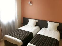 chambre 2 lits chambres en meuse à l hôtel de dun sur meuse