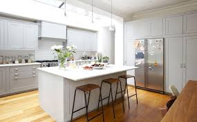 cuisine dans maison ancienne maison ancienne cuisine moderne en ilot central 16 d233corer une