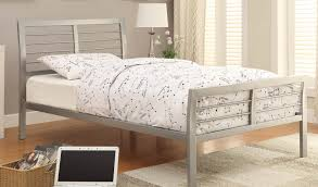 Silver Queen Bed Coaster 300201 Queen Bed Silver 300201 Bed At Homelement Com