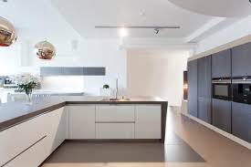 showroom kitchen white silver oak