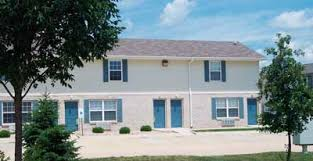 2 Bedroom Apartments In Champaign Il Twin Oaks Apartments Champaign Illinois