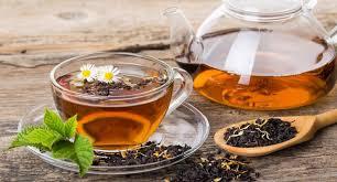 Teh Hitam seperti teh hijau teh hitam terbuat dari daun tanaman sinensis