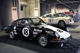 porsche 911 race car rennsport reunion iv porsche 911 race cars photo gallery autoblog