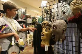 spirit halloween sacramento wave of store closures isn u0027t making it easier for retailers to