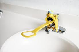 amazon com aqueduck faucet handle extender a safe fun and kid