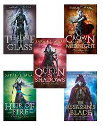 striking i finally read the throne of glass series