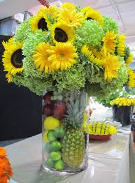 Centerpieces With Sunflowers by Sunflower Centerpiece With Fruit Preston Bailey Table Decor