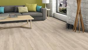 haro laminate floor plank 1 highland oak textured matt wood