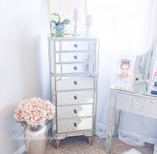 Bedroom Mirror Furniture by Best 25 Corner Dresser Ideas Only On Pinterest Corner Dressing