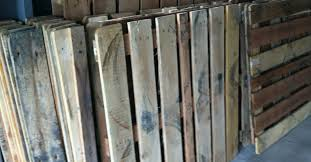 how to install a diy pallet wood floor