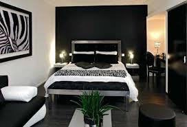 chambre blanche et noir chambre blanche et bleue taupe deco