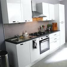 cuisine laqué blanc cuisine laquee blanche cuisine equipee blanc laque blanche en image