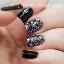 glitter covered nails with stamping kimett kolor