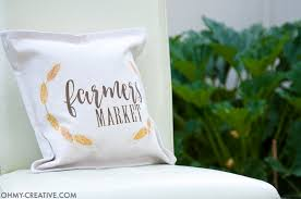 Decorating Your Home For Fall Easy Diy Farmhouse Fall Decor Pillow Oh My Creative